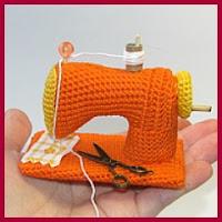 Máquina de coser amigurumi