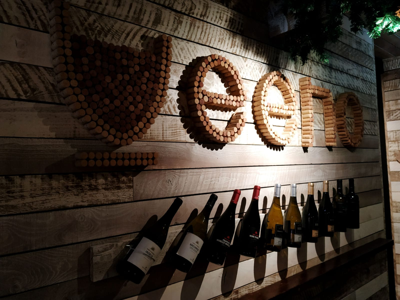 VEENO : THE ITALIAN WINE CAFE' , A GEM IN THE HEART OF CROYDON