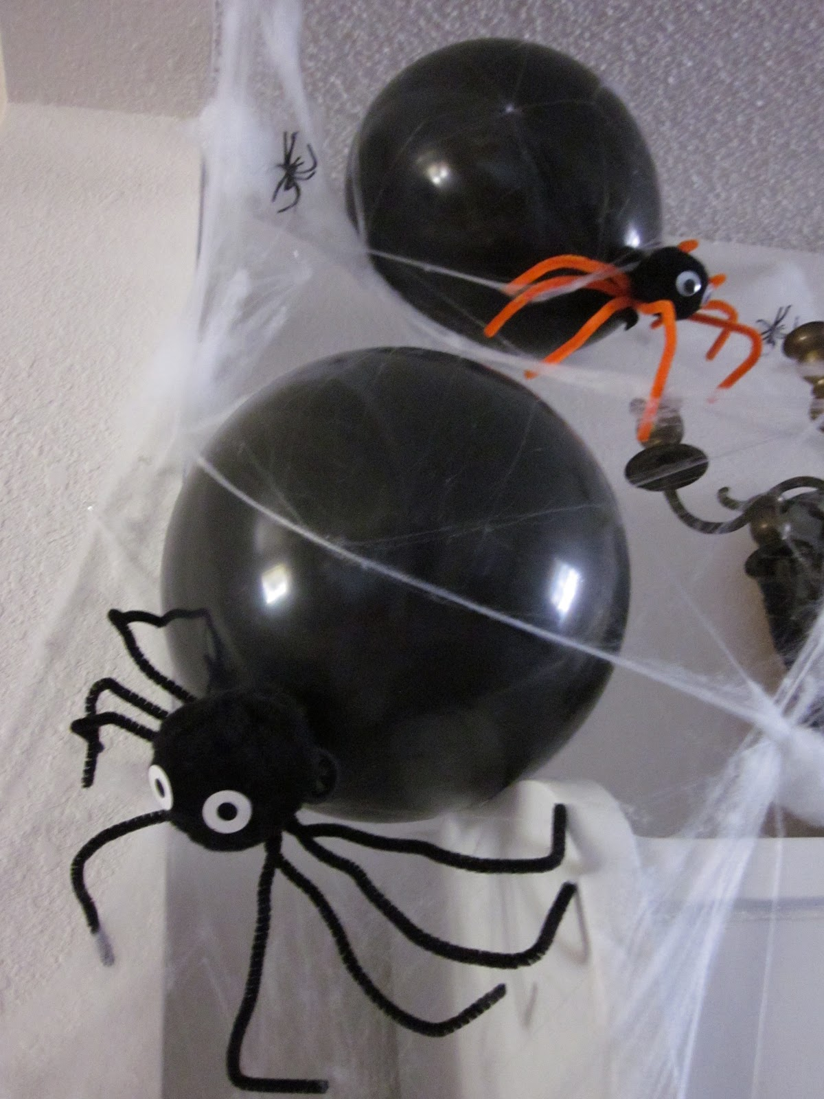 Halloween Decorations You Can Make At Home Apples 4 Bookworms Halloween Balloon Spiders