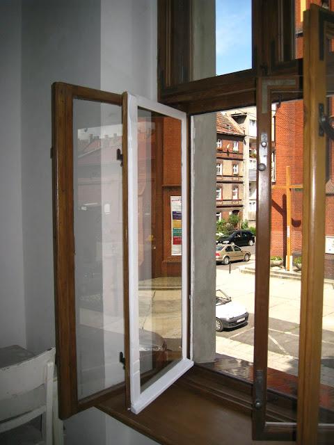 okna skrzynkowe, renowacja, kamienica