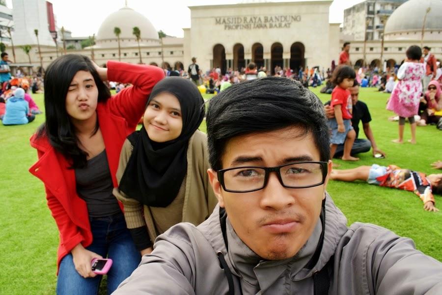 Groovie kami di Alun Alun Bandung