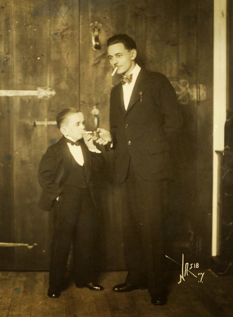 Pictures of midget actors 1930s