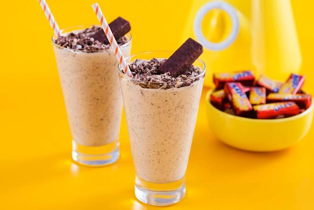 Neste período de férias nada melhor do que apreciar um doce delicioso. Hoje no blog a Vitarella ensina a fazer um Milk shake, doces e até mesmo pipoca com chocolate. Saiba mais no blog.