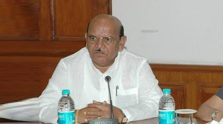 मंत्री अंतरसिंह आर्य ने पहले जनता को दी थी धमकी, अब सफाई पेश