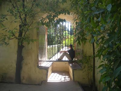 En este avatar ya aparecía yo, pero de lejos. Es en el Alcázar de Sevilla