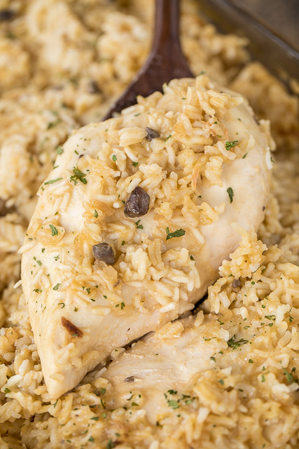 No-Peek Chicken and Rice - super easy dinner recipe! Chicken breasts, rice, cream of chicken soup, cream of mushroom soup, chicken broth, onion soup mix. Mix everything in the baking dish and pop in the oven. SO easy and everyone cleaned their plate! Even our picky eaters!! #chicken #casserole #chickenandrice