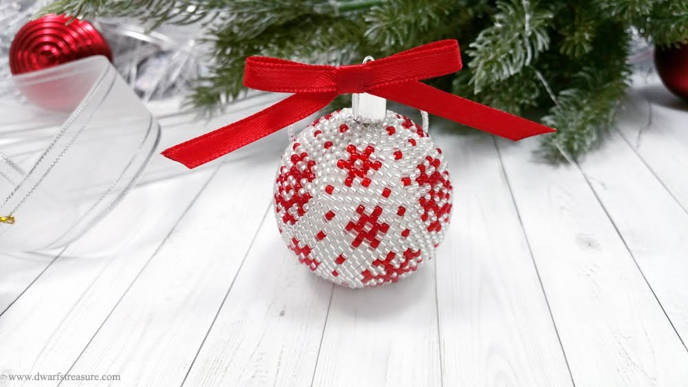 Fantastic white & red glass bead crochet ball