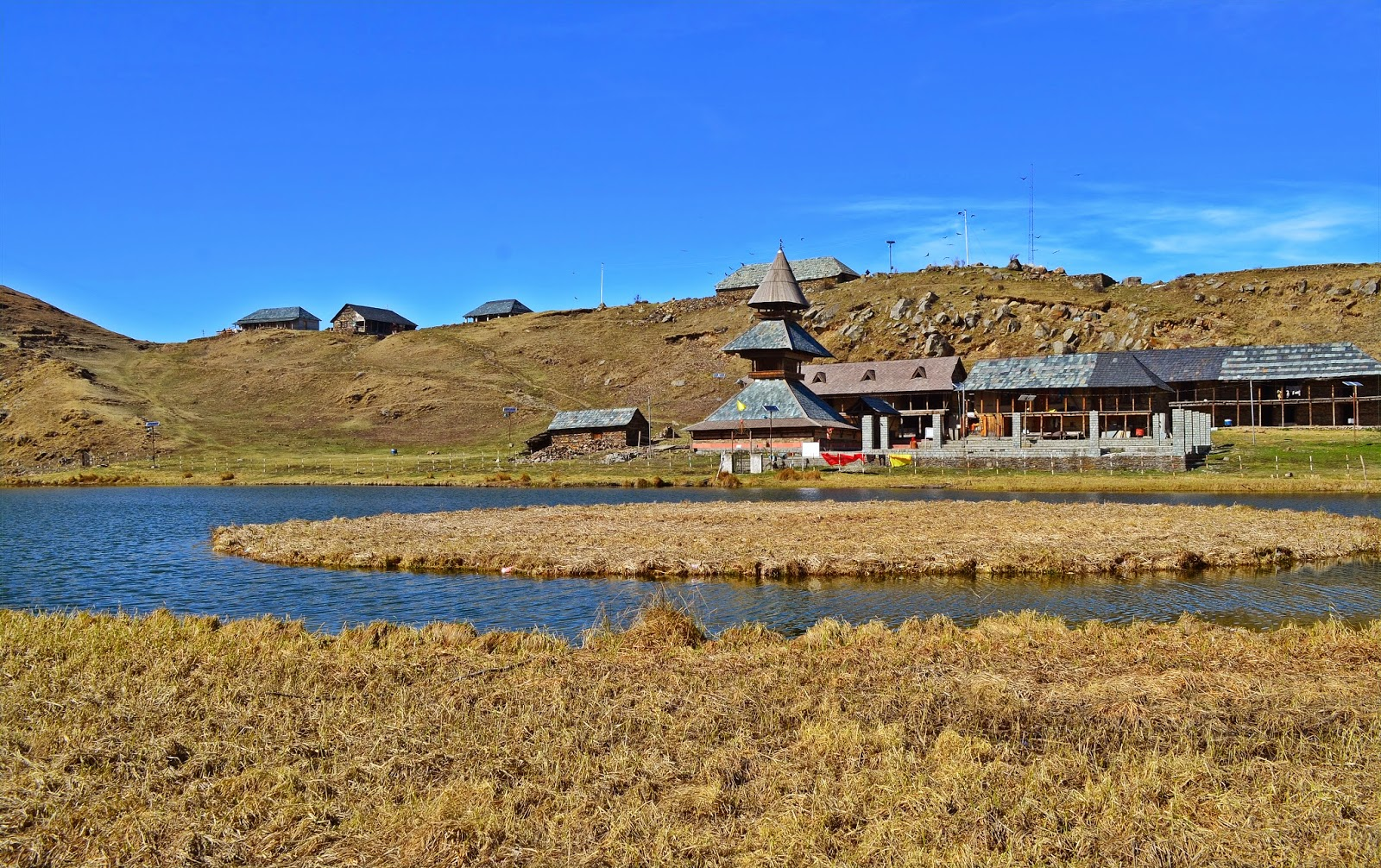 Parashar Rishi Temple, Floating Island, Prashar lake