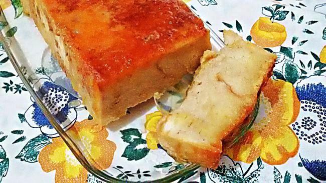 Corte pudín de pan con menos calorías