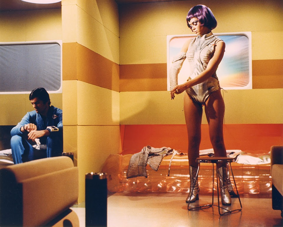 Gabrielle Drake UFO movieloversreviews.filminspector.com