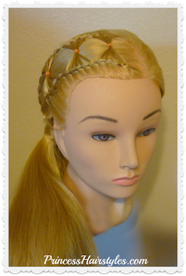Cute hairstyle, the bow tie braid.