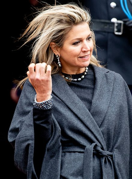 Queen Maxima wore Natan dressKing Willem-Alexander, Princess Beatrix and Princess Margriet at Amsterdam Royal Palace
