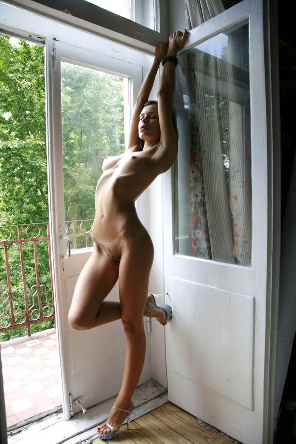 Красивые девушки голые без одежды