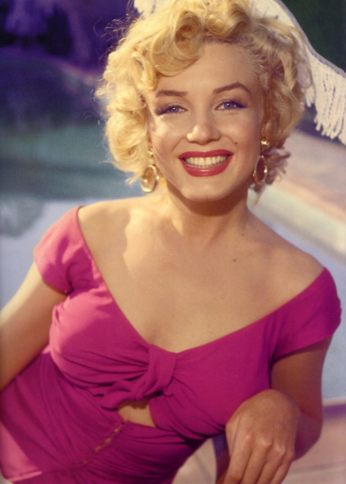Marilyn Monroe Living Room Decor: Toland-Herzig Famous Endings: Remembering