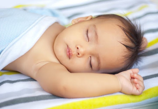Cara Cepat Menidurkan Bayi yang Rewel di Malam Hari