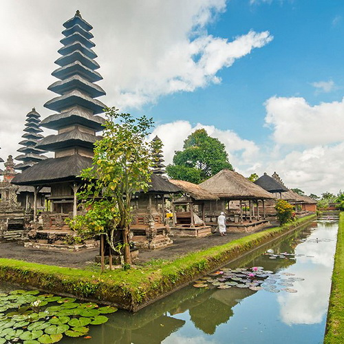 Tinuku Travel Taman Ayun Temple Mengwi a very sacred Balinese Hindu architecture glorify nine gods