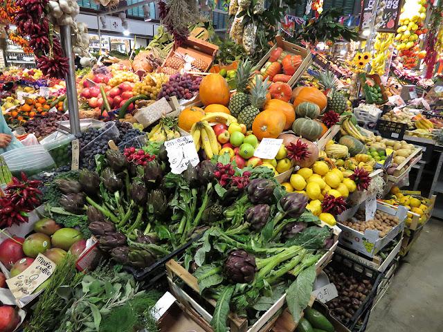 Fresh produce, Mercato Centrale, Central Market, Piazza del Mercato Centrale, Florence