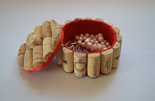 corchos reciclados como cajitas para bisouterie