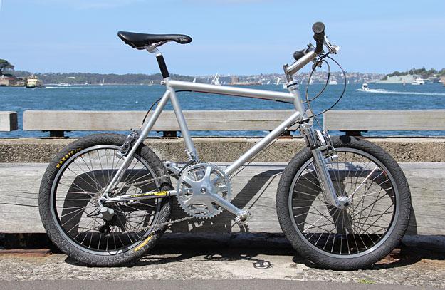http://www.cycleexif.com/diamondback-f1#ixzz1cdbiwa00