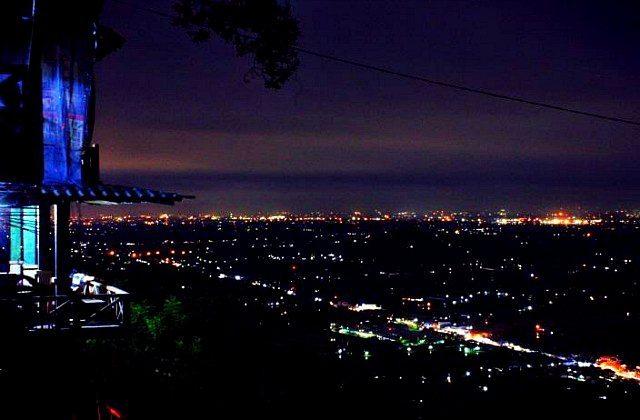 Bukit Bintang, Lokasi Dinner Romantis di Jogja