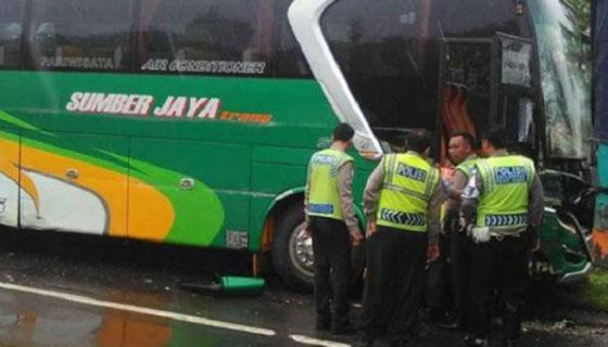 Maling Nekad Mencuri Bus Pariwisata