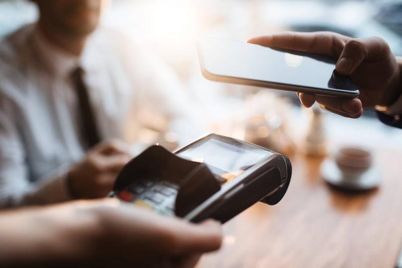 Mastercard investe no pagamento sem contato