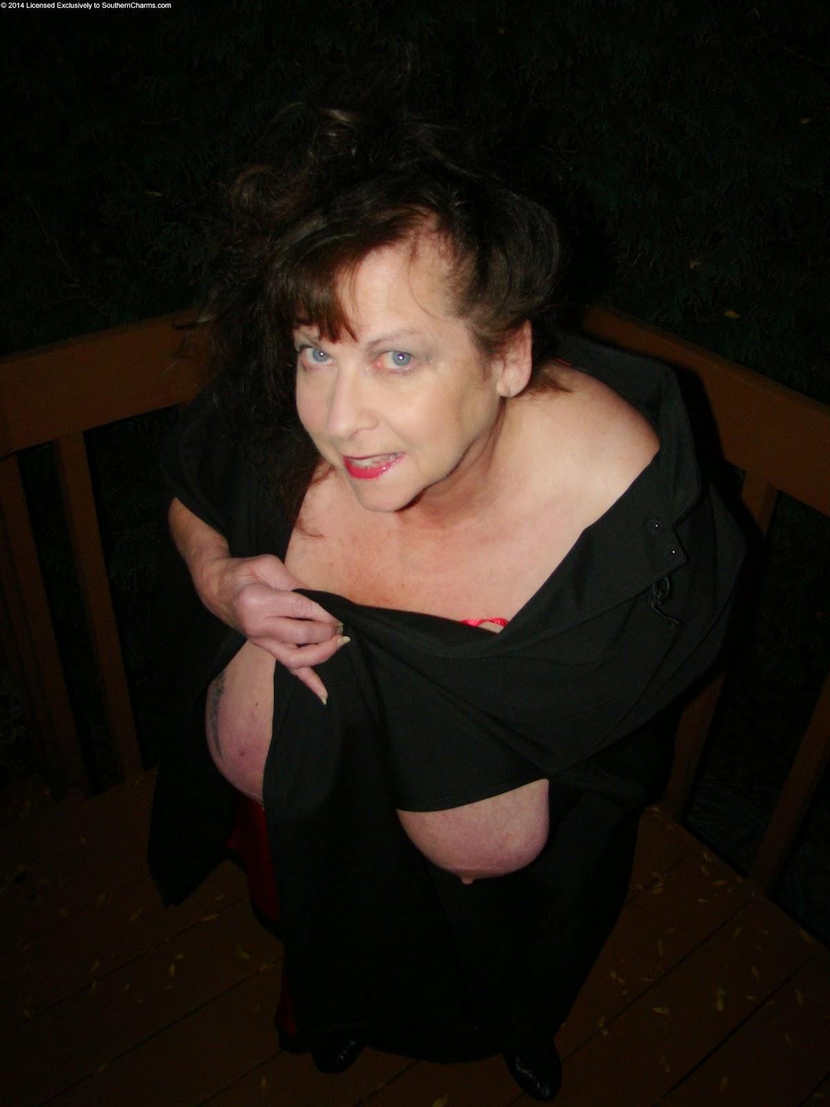 http://www.vampirebeauties.com/2014/10/vampire-model-alyee-b.html