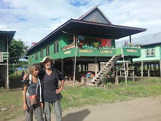 Voyage de toraja en moto et transport en public