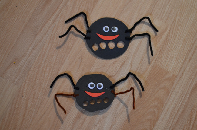 pavúky z papiera