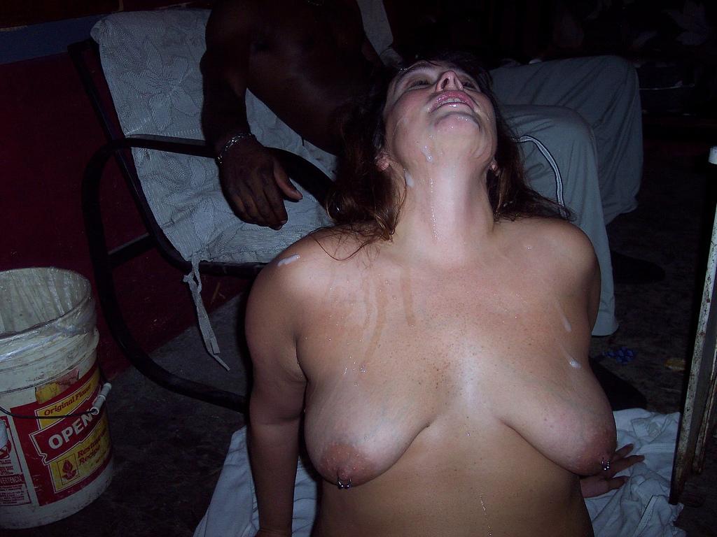 La moglie troia piena di sperma - Racconti Erotici Reali