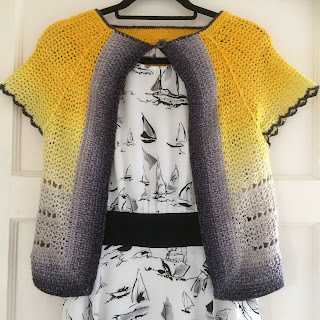 Whirligan, a cardigan made with Scheepjes Whirl