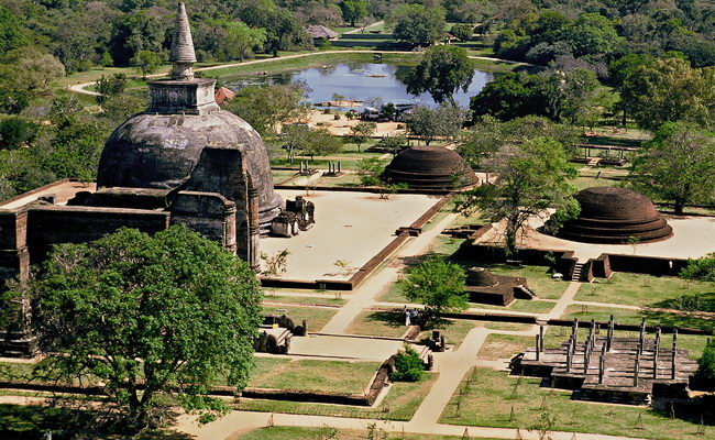 www.Xvlor.com Polonnaruwa is the ruins of city built by King Vijayabahu I