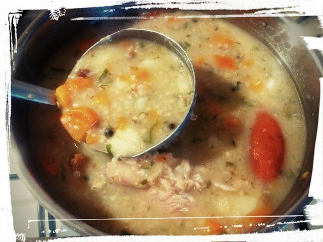 Zupa krupnik zupa z wkladka krupnik na kielbasie i karkowce zupa staropolska zupa z kasza