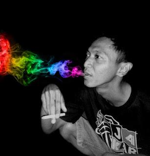 Tutorial PicSay Membuat Efek Asap Rokok Berwarna Keren dengan Mudah