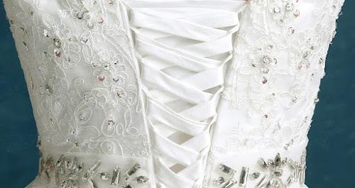 gaun pengantin putih tampak belakang