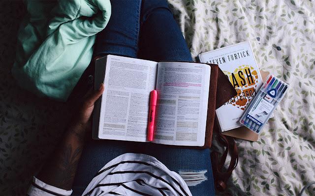 Jak czytać literaturę fachową, by odnieść największe korzyści?