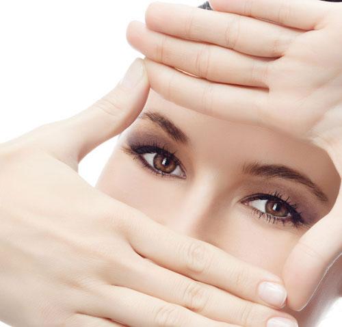 anh phan đức linh chia sẻ về sức khỏe đôi mắt