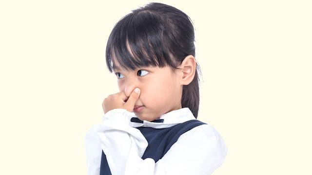 Cara Mengatasi Bau Mulut Anak Agar Mereka Tidak Dikucilkan Temannya