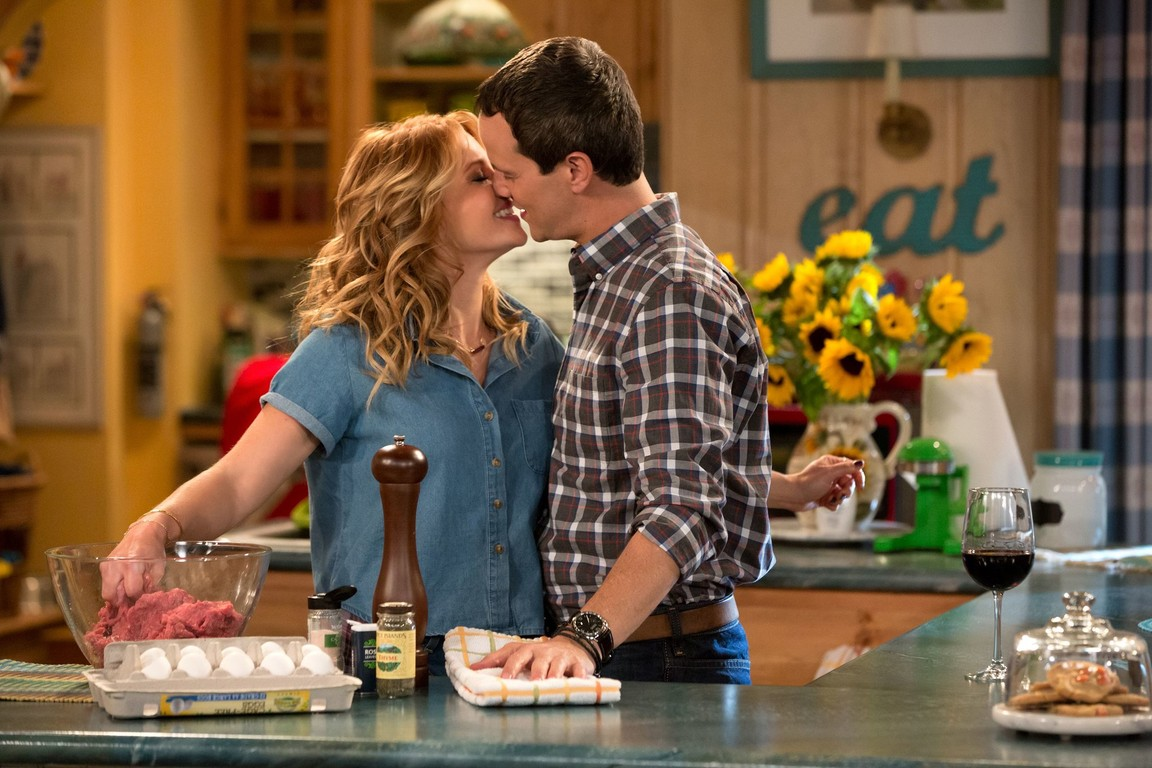 Fuller House - Season 1 Episode 12: Save the Dates