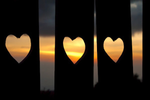 Cerpen Cinta Segitiga Hati Munafik Yang Berbicara Terbaru 2014