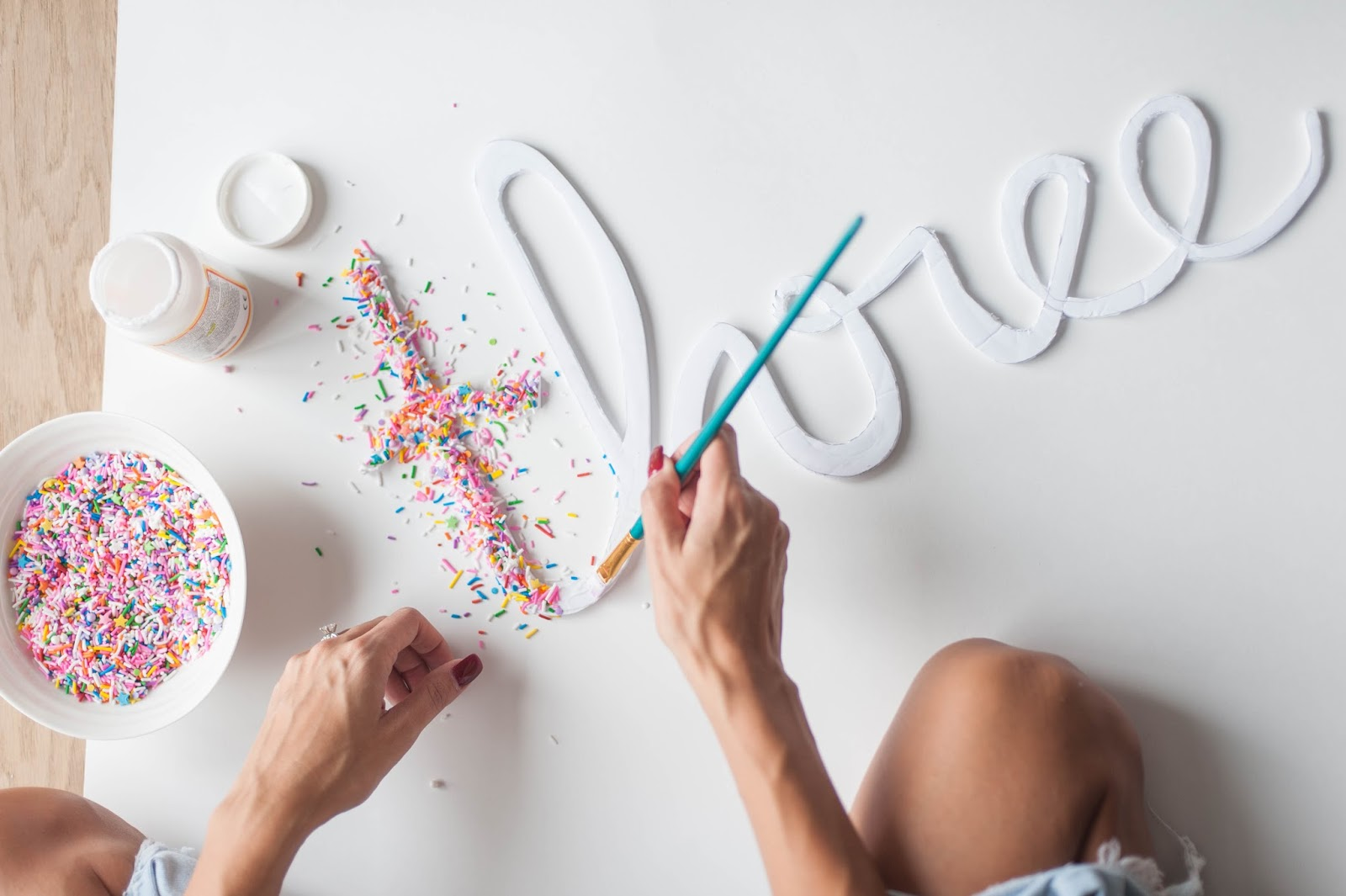 How To Do Birthday Decoration At Home Diy Sprinkle Letters The Party Parade