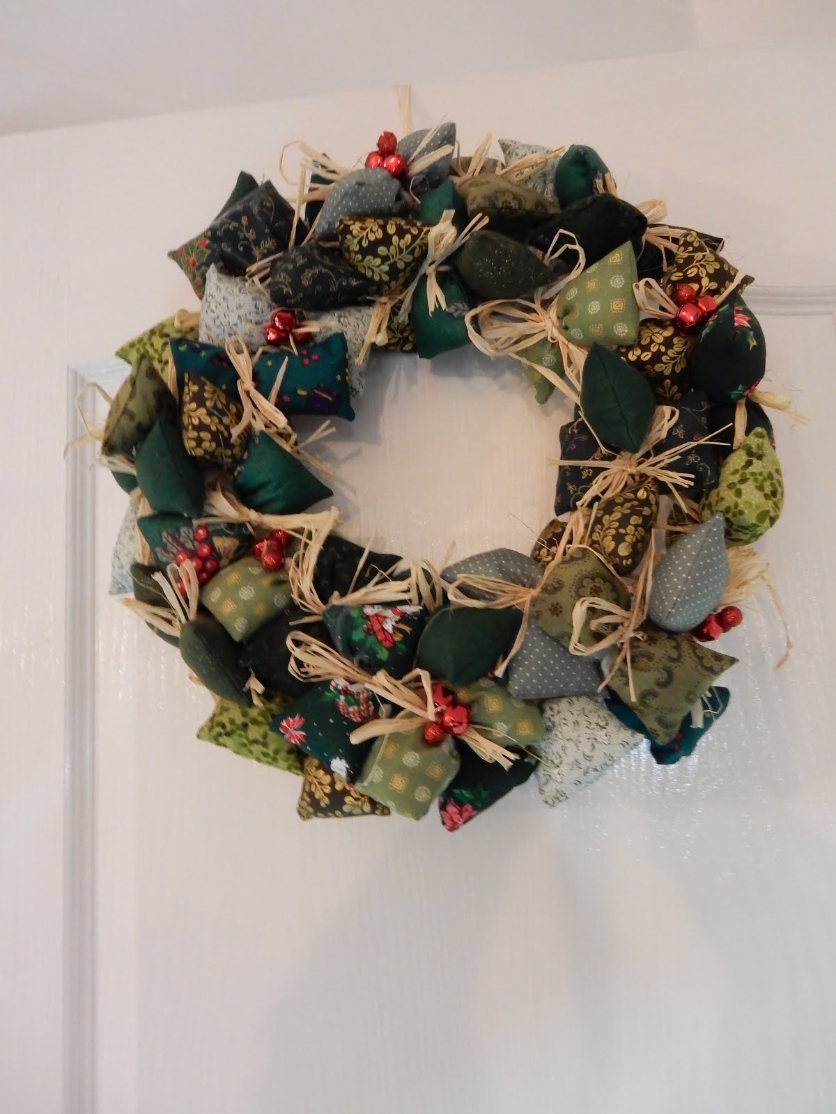 Jozart Easy Christmas Wreath Amp Paper Pieced Trees