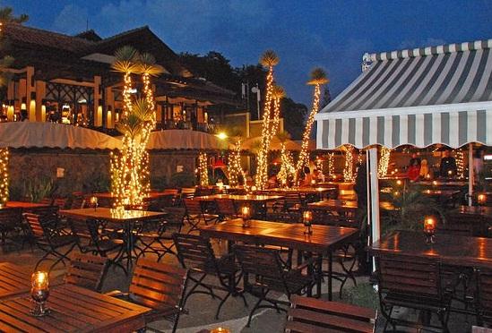 http://www.katasaya.net/2016/05/enam-restoran-di-kawasan-bandung-dengan.html