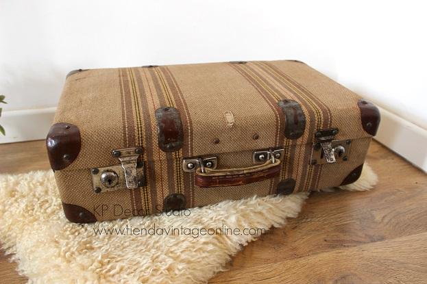 Ver fotos de maletas antiguas vintage para decoración