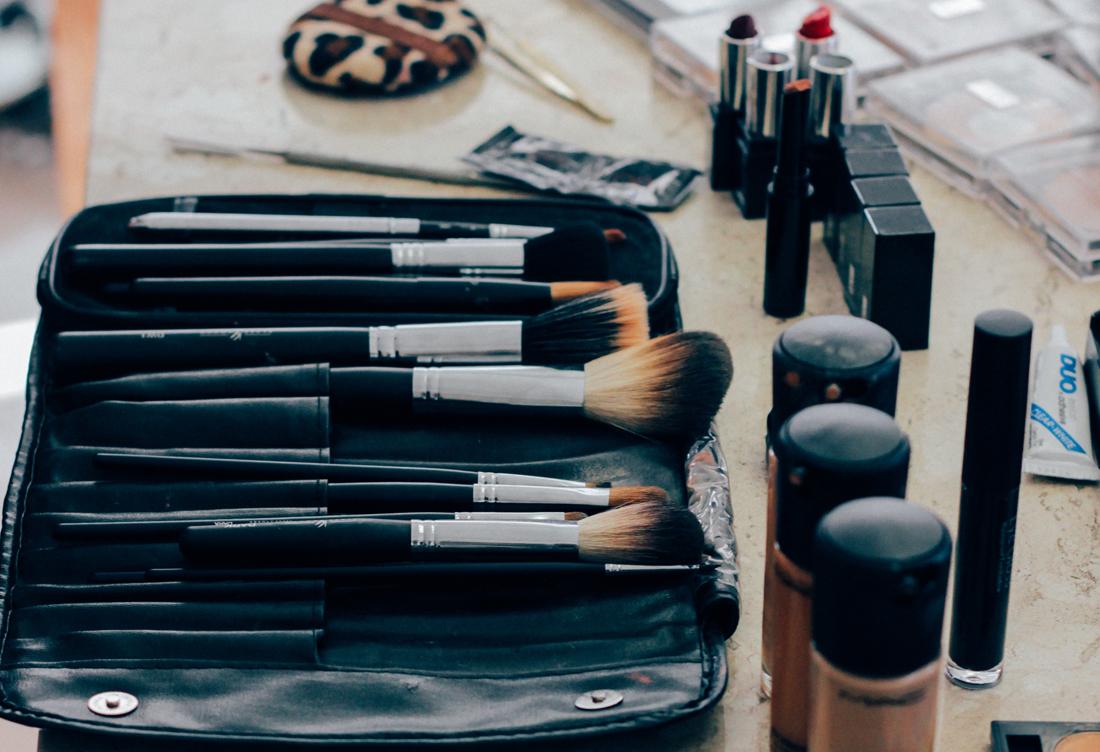 Καλλυντικά ομορφιάς μακιγιάζ και εργαλεία