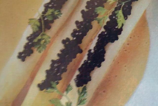 Espárragos con caviar de arenque