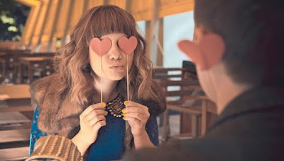 4 Hal yang Terjadi saat Anda Jatuh Cinta
