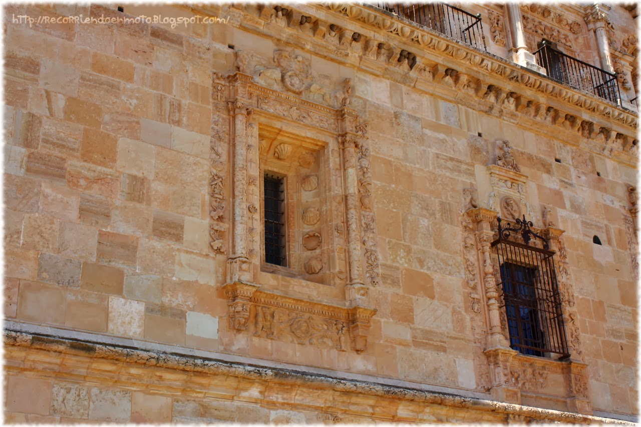 Ventana fachada este, monasterio de Uclés