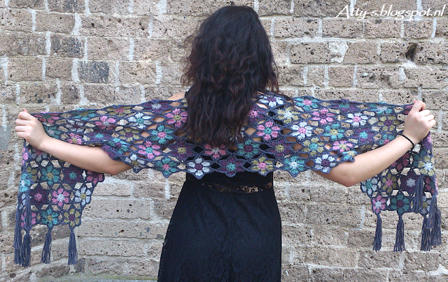 Merino Soft Flower Shawl
