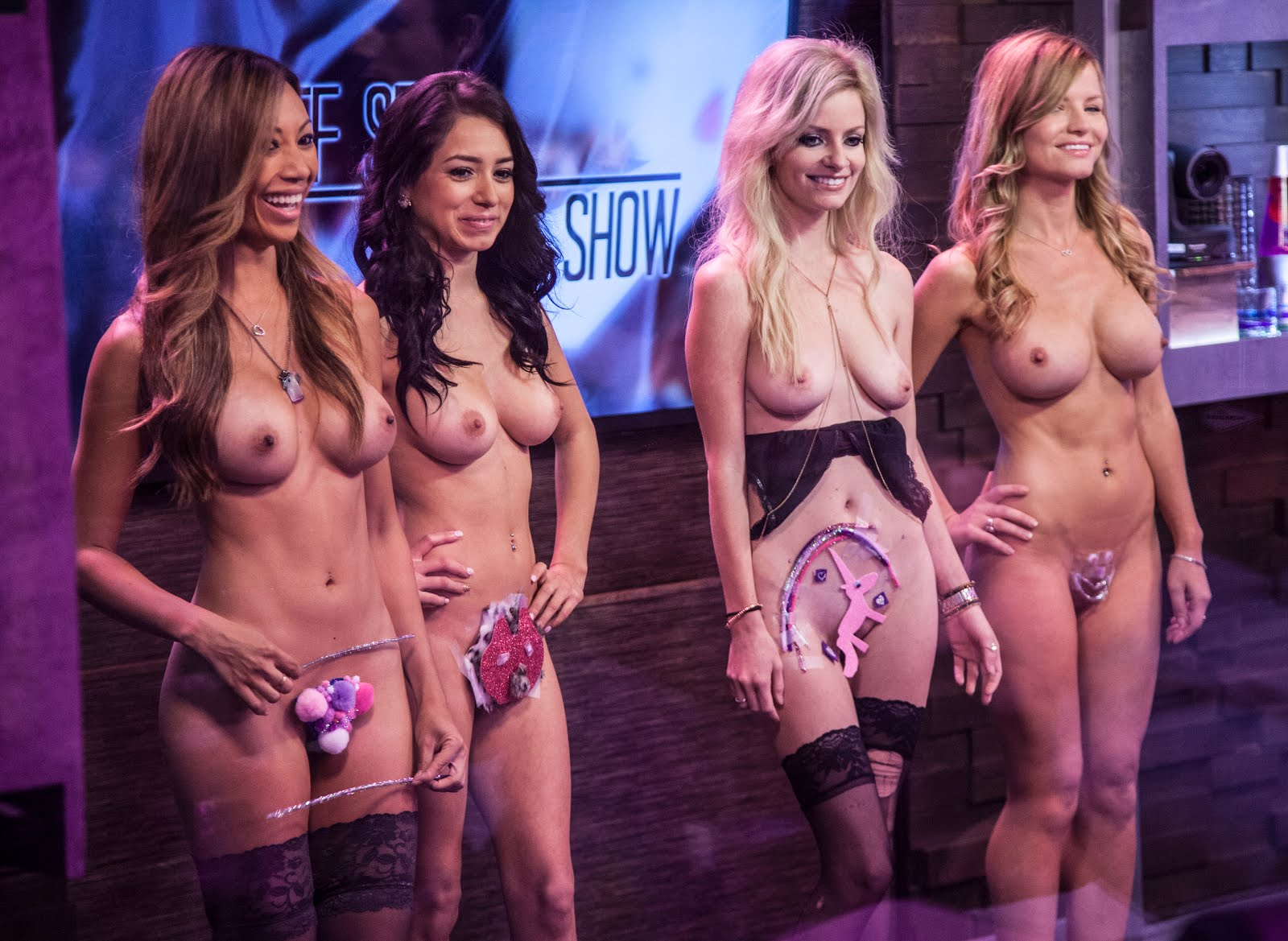 girls of survivor show naked